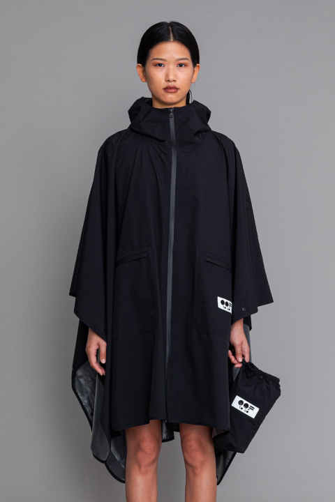 Women's waterproof cape with hood in black
