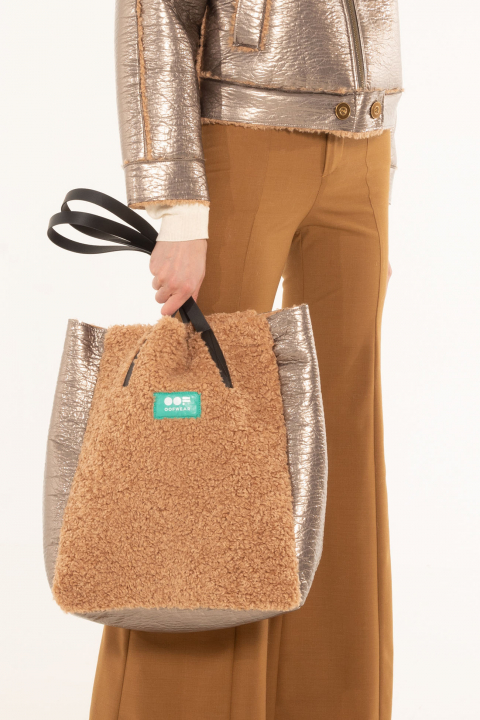 Bag 3002 in dove eco-sheepskin