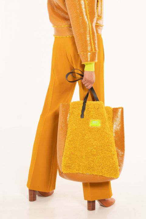 Bag 3002 in yellow eco-sheepskin