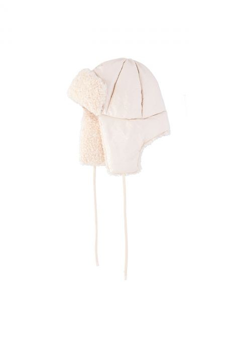 Hat 3004 in white eco-sheepskin