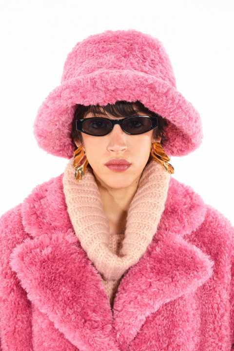 Hat 3005 in pink curly pile faux fur