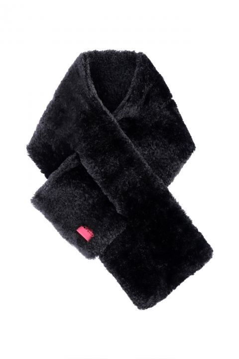 Scarf 3007 in black curly pile faux fur