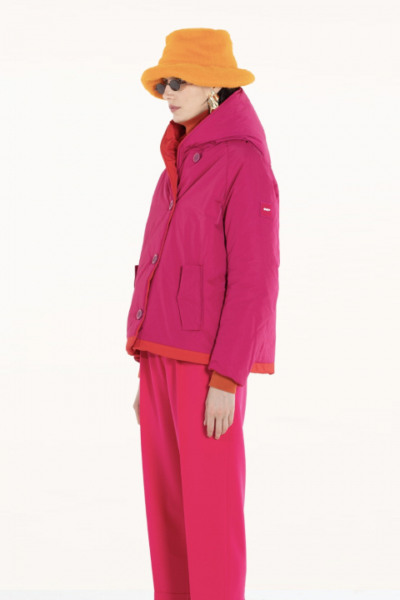Short jacket 9006 in fuchsia/red shape memory fabric