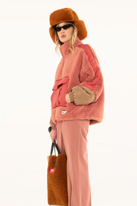 Oversized sweatshirt 9018 in pink faux fur