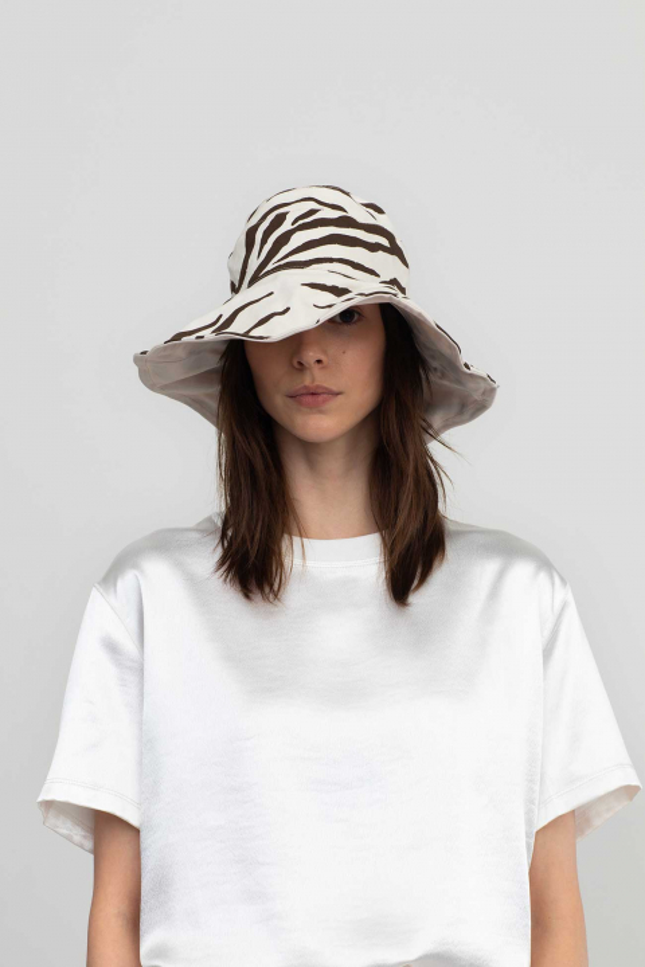Reversible bucket hat 3014 in cottonnatural white/brown