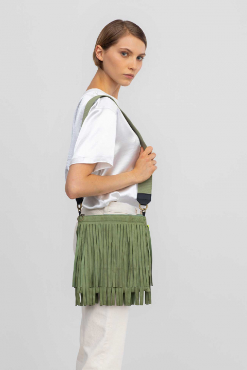 Patch pockets 3023 in ecosuedepastel green