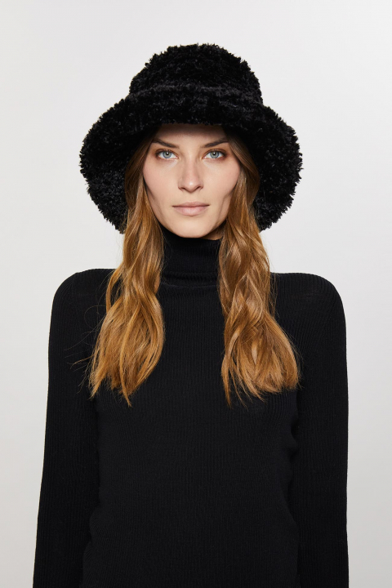 REVERSIBLE FAUX SHEEPSKIN BUCKET HAT 3005 - BLACK