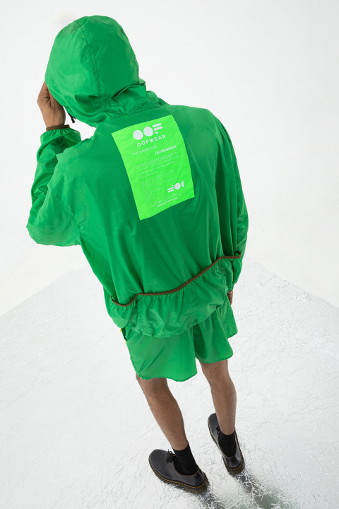 Unisex ultralight nylon sweatshirt with hood in green
