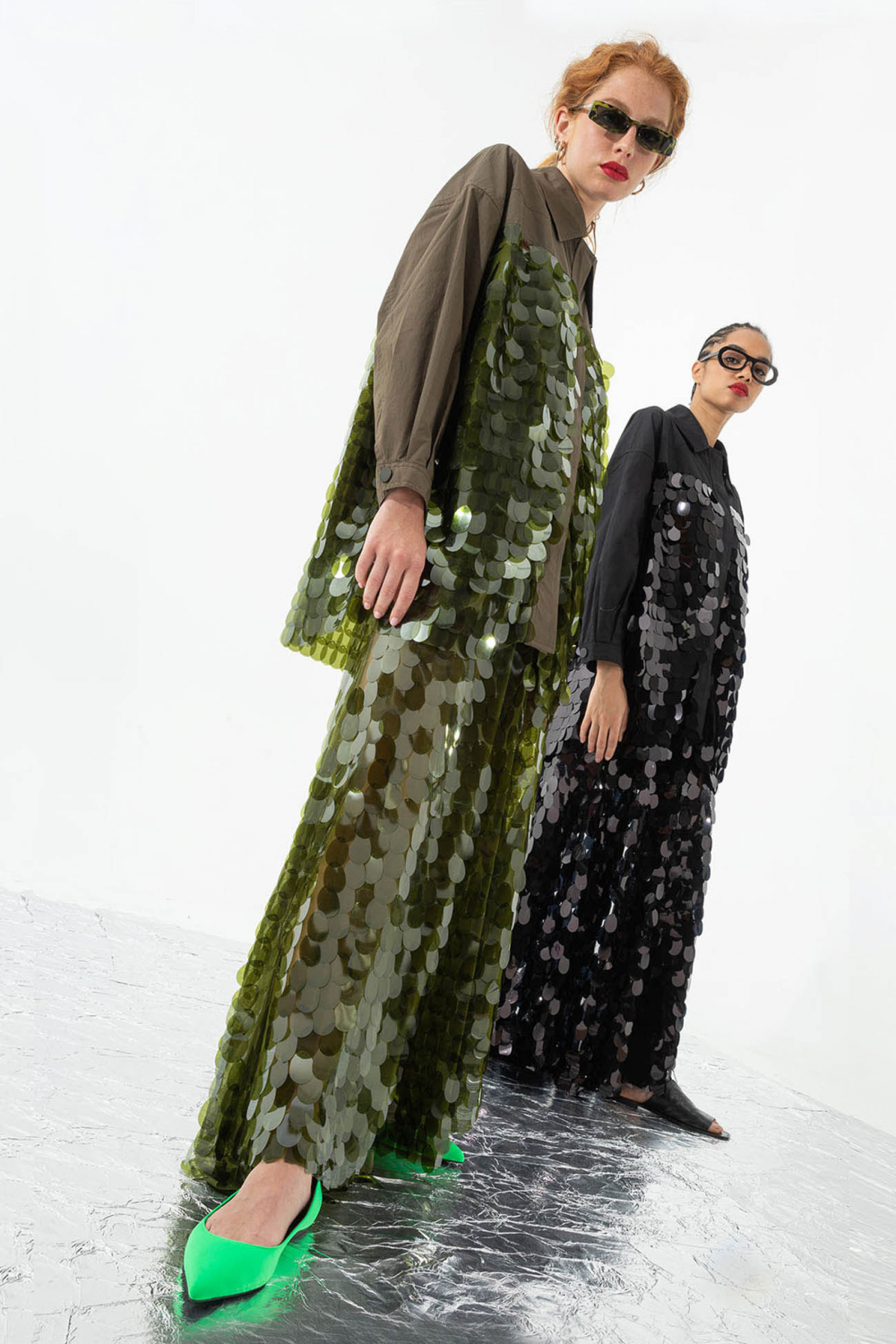 Short oversized blouson with ruches and drawstring in green