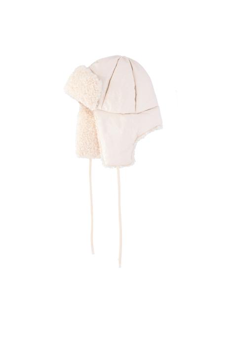 Hat 3004 in white eco-sheepskin