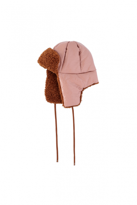 Hat 3004 in pink eco-sheepskin