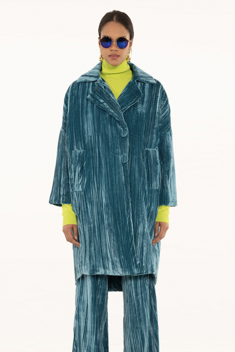 Long coat 9002 in cyan velvet