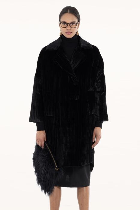 Long coat 9002 in black velvet