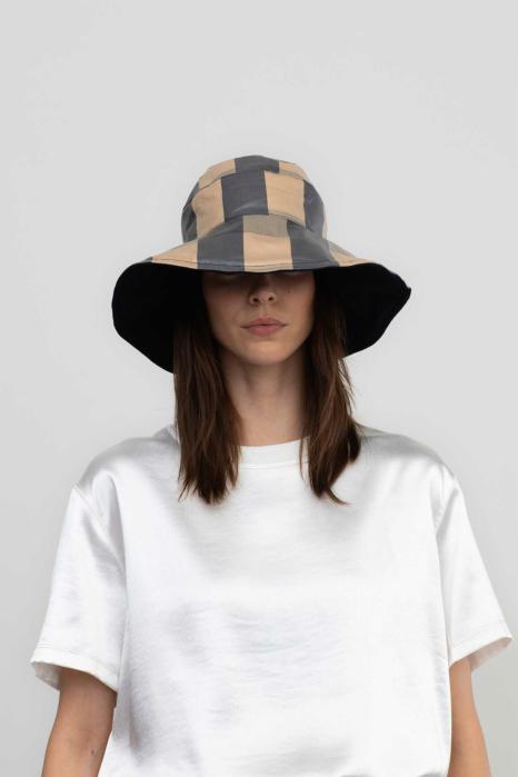 Reversible bucket hat 3014  beige/black