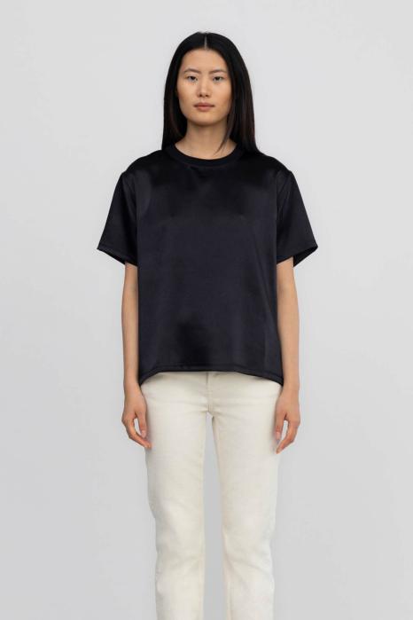 T-shirt 7001 in shiny fabric black